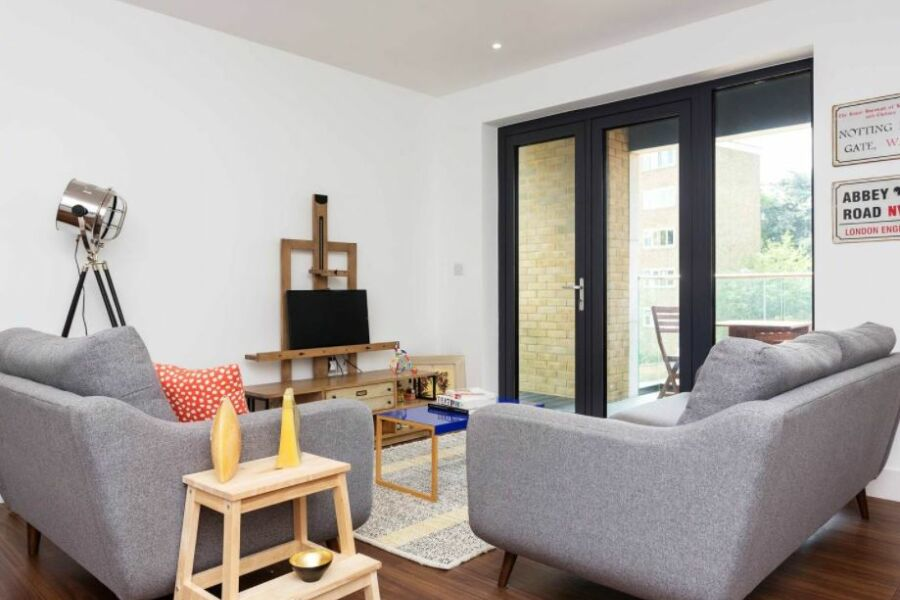 Skylark Court Apartment - Putney, South West London