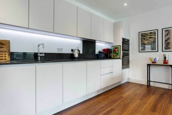 Kitchen, Skylark Court Serviced Apartment, Putney, London