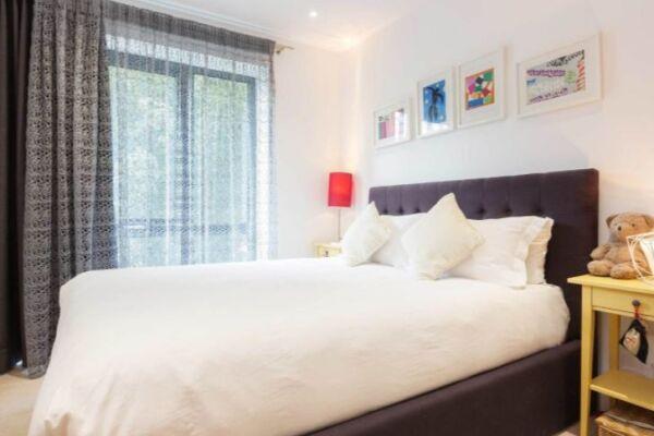 Bedroom, Skylark Court Serviced Apartment, Putney, London