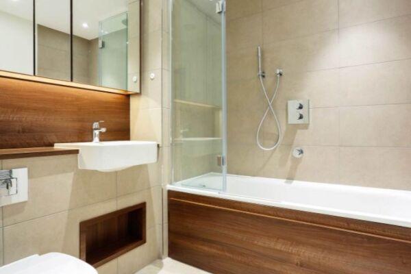 Bathroom, Skylark Court Serviced Apartment, Putney, London
