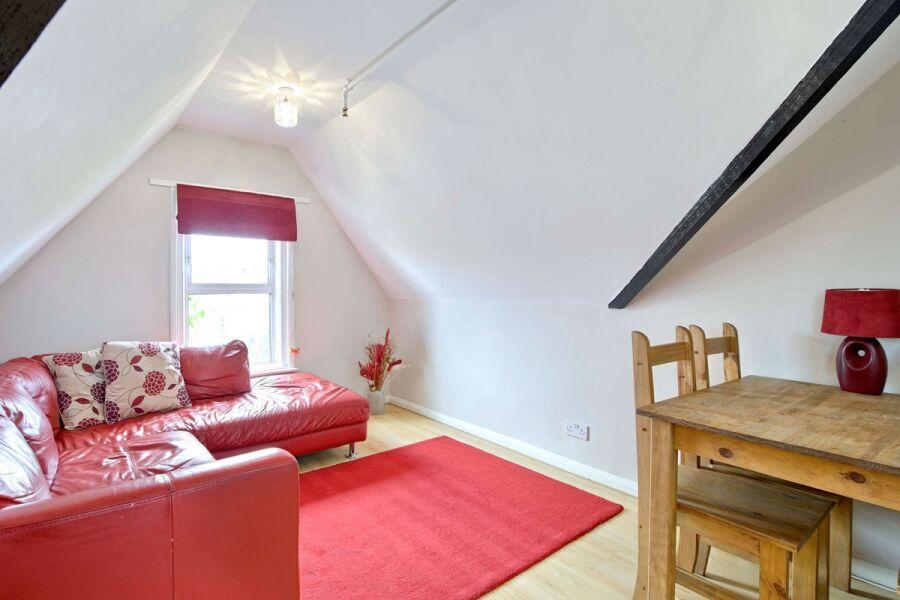 Bow Apartment - Lewisham, South East London