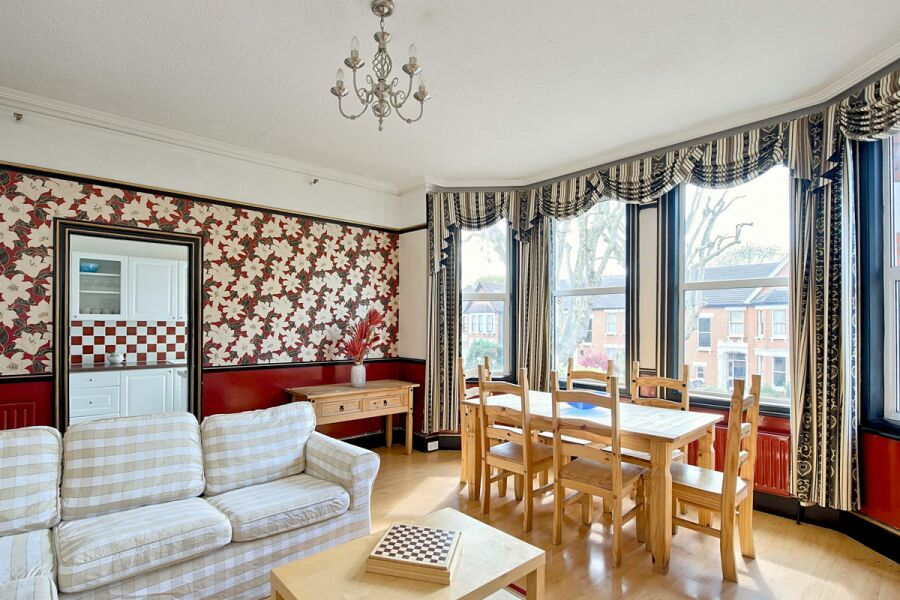 Old Kent Apartment - Lewisham, South East London