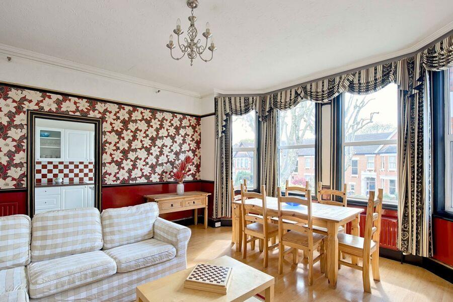Old Kent Apartment - Lewisham, South East London