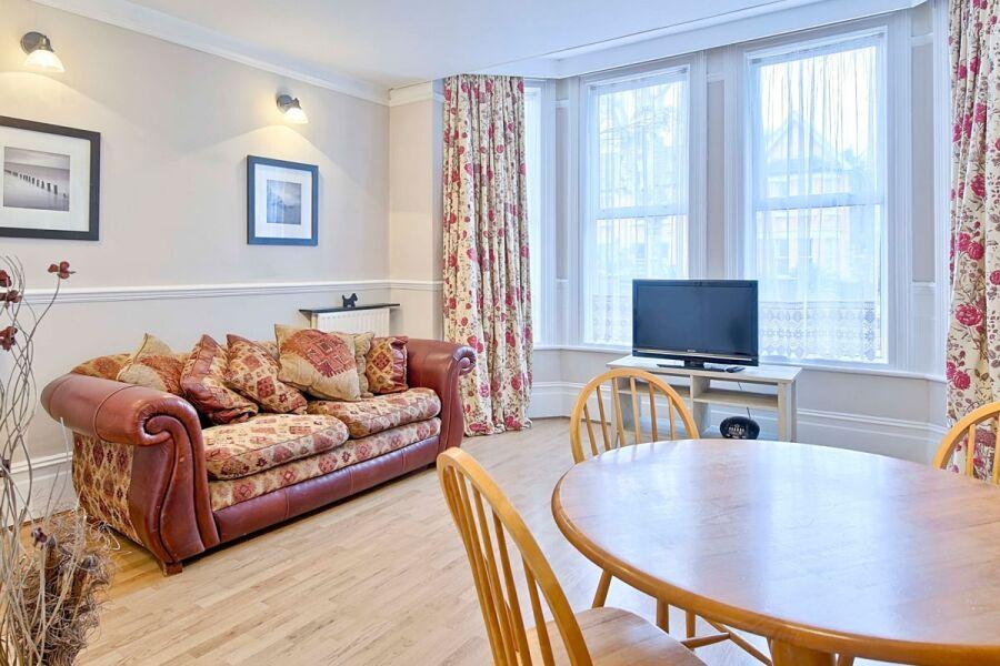 Whitehall Apartment