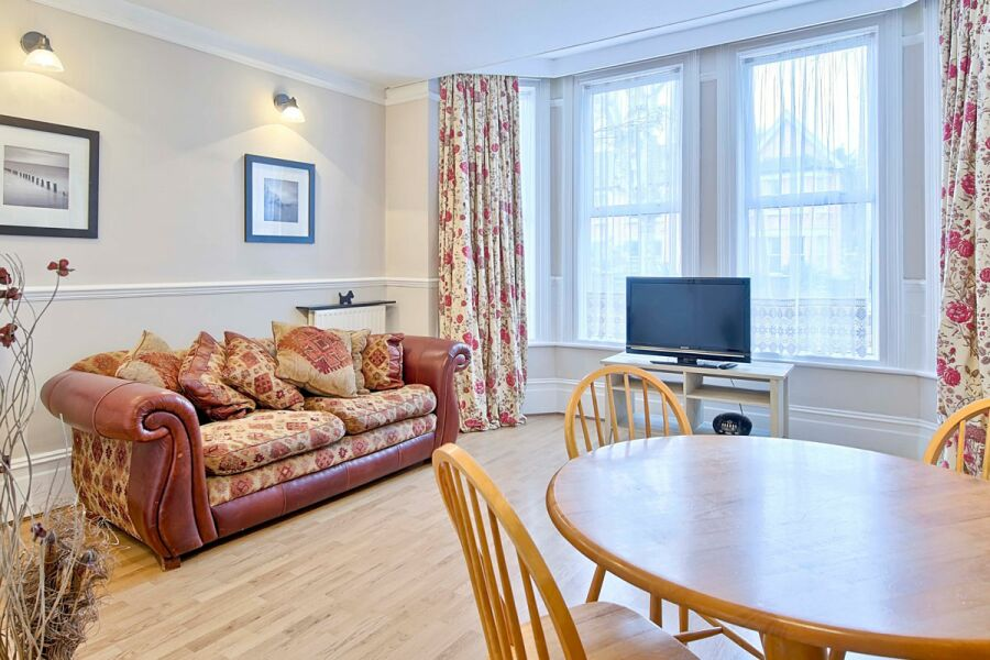 Whitehall Apartment - Lewisham, South East London