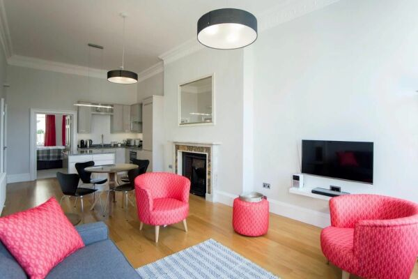 Living Room, New Brunswick Serviced Apartments, Bath