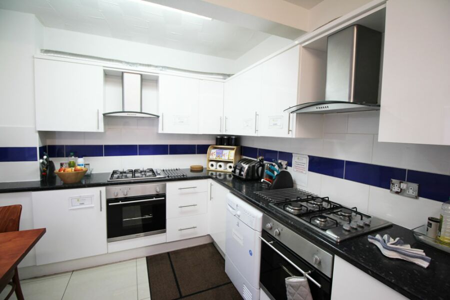 Camborne Road Apartments - Sutton, Greater London
