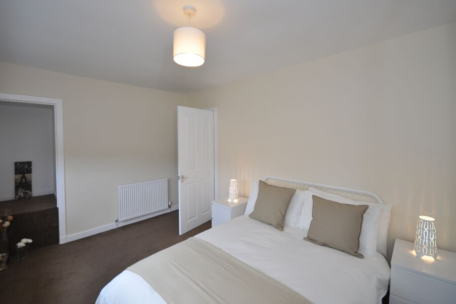 Earn House Accommodation - Wishaw, North Lanarkshire