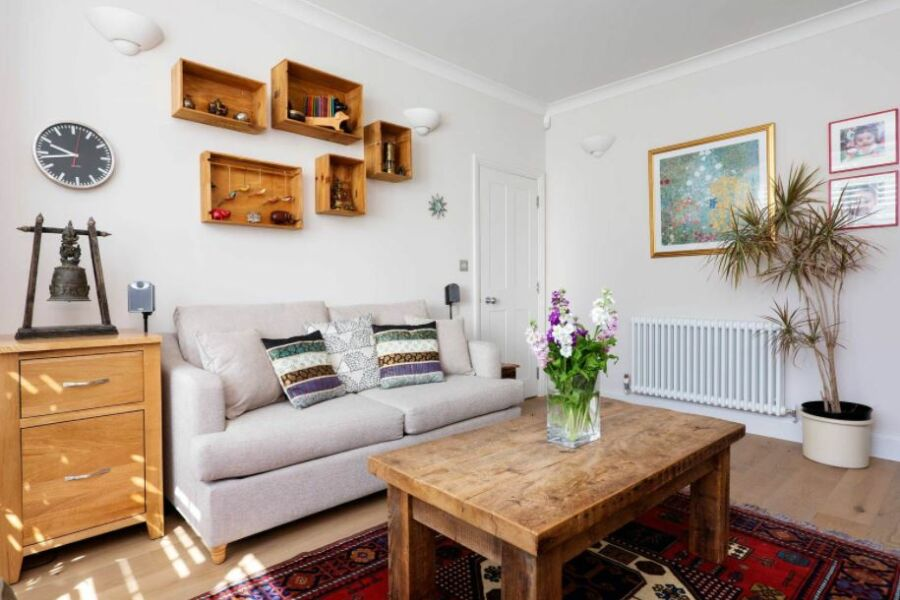 Wandle Road Accommodation - Wandsworth, South West London