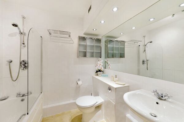 Bathroom, Vestry Court Serviced Apartments, Westminster