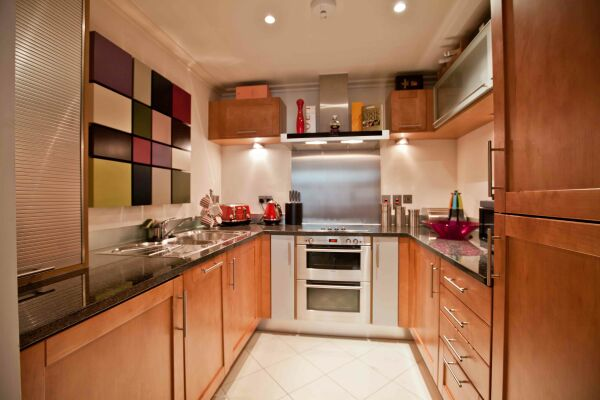 Kitchen, Discovery Dock East Serviced Apartments, Canary Wharf