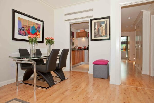 Dining Area, Discovery Dock East Serviced Apartments, Canary Wharf