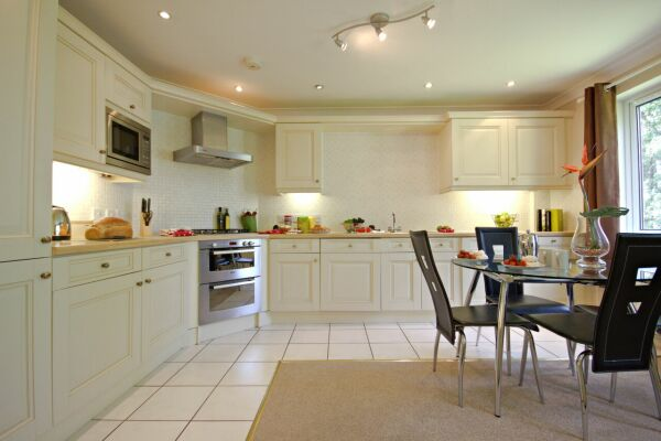 Kitchen/Dining Area, Gray Place Serviced Apartments, Bracknell