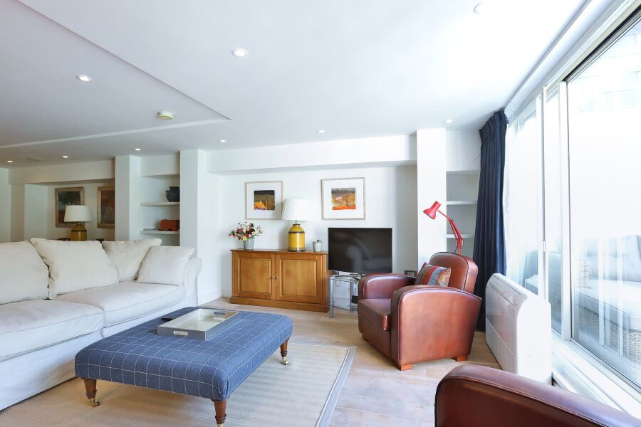 Aria House Apartment - St. James Park, Central London