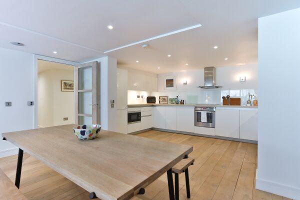 Dining Area, Aria House Serviced Apartment, St. James Park, London