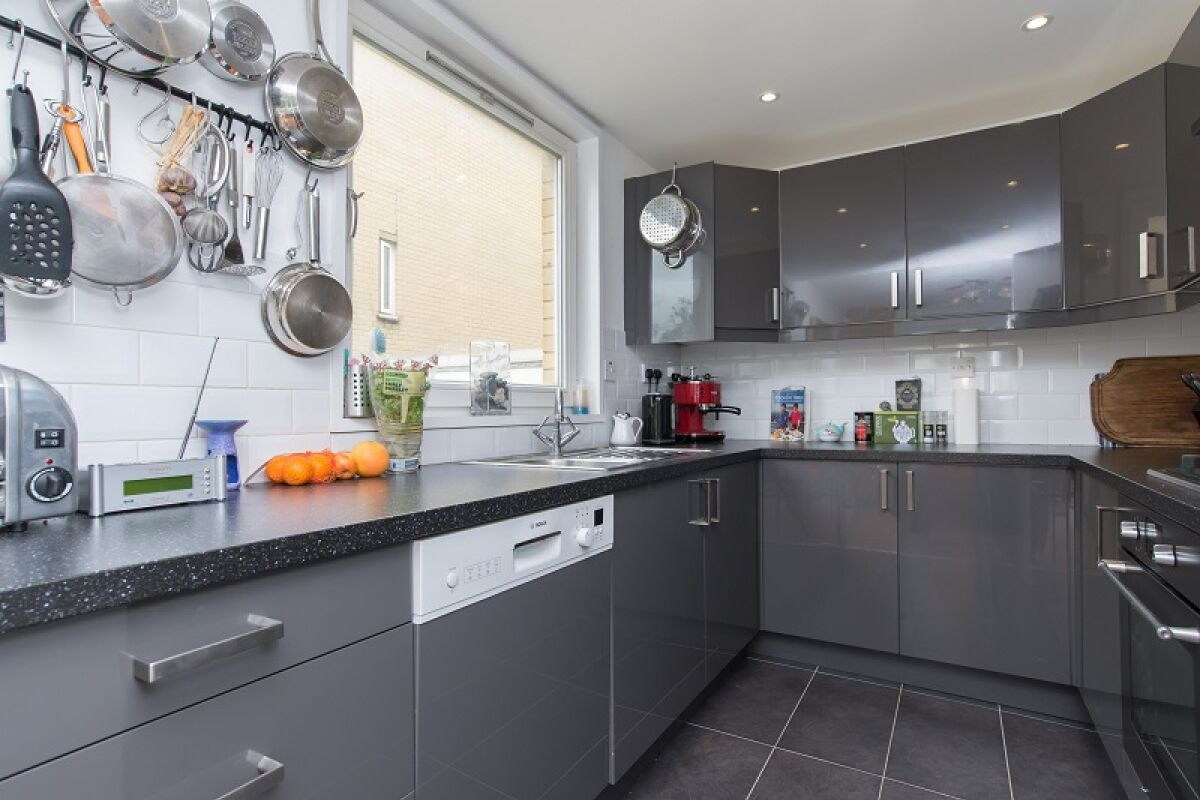 Kitchen, Westside Serviced Apartments, Upper Holloway, London