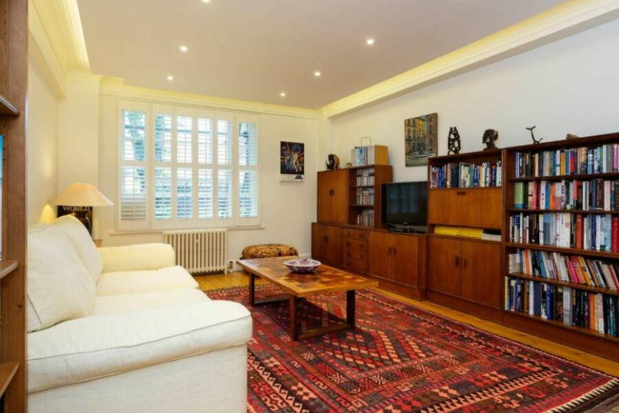 Eton College Apartment - Camden, North London