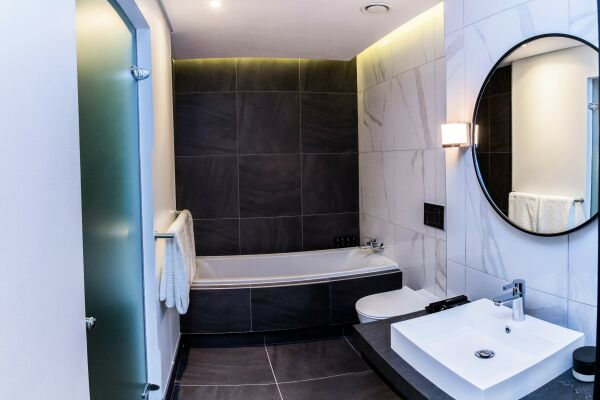 Bathroom, The Mirage Serviced Apartments, Cape-Town