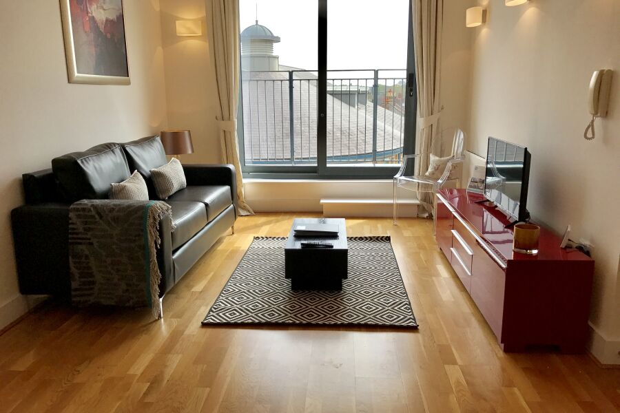 Phoenix Plaza Apartments - Chertsey, United Kingdom