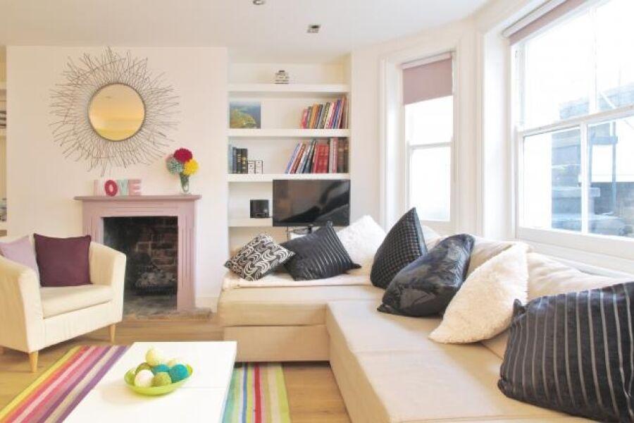 Kensington Comeragh Road Apartment - Kensington, Central London