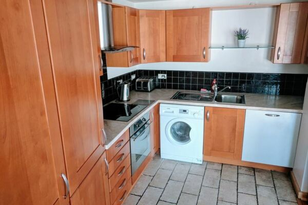 Waterloo Street Serviced Apartments in Leeds, Kitchen