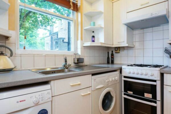 Kitchen, Sloane Square Serviced Apartment, Chelsea