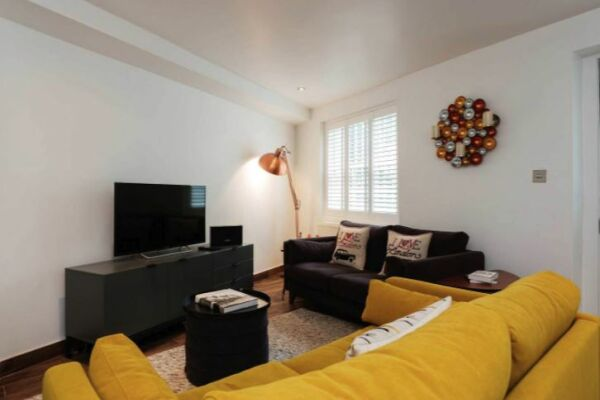Sitting Area, Essex Road Serviced Apartment, Islington