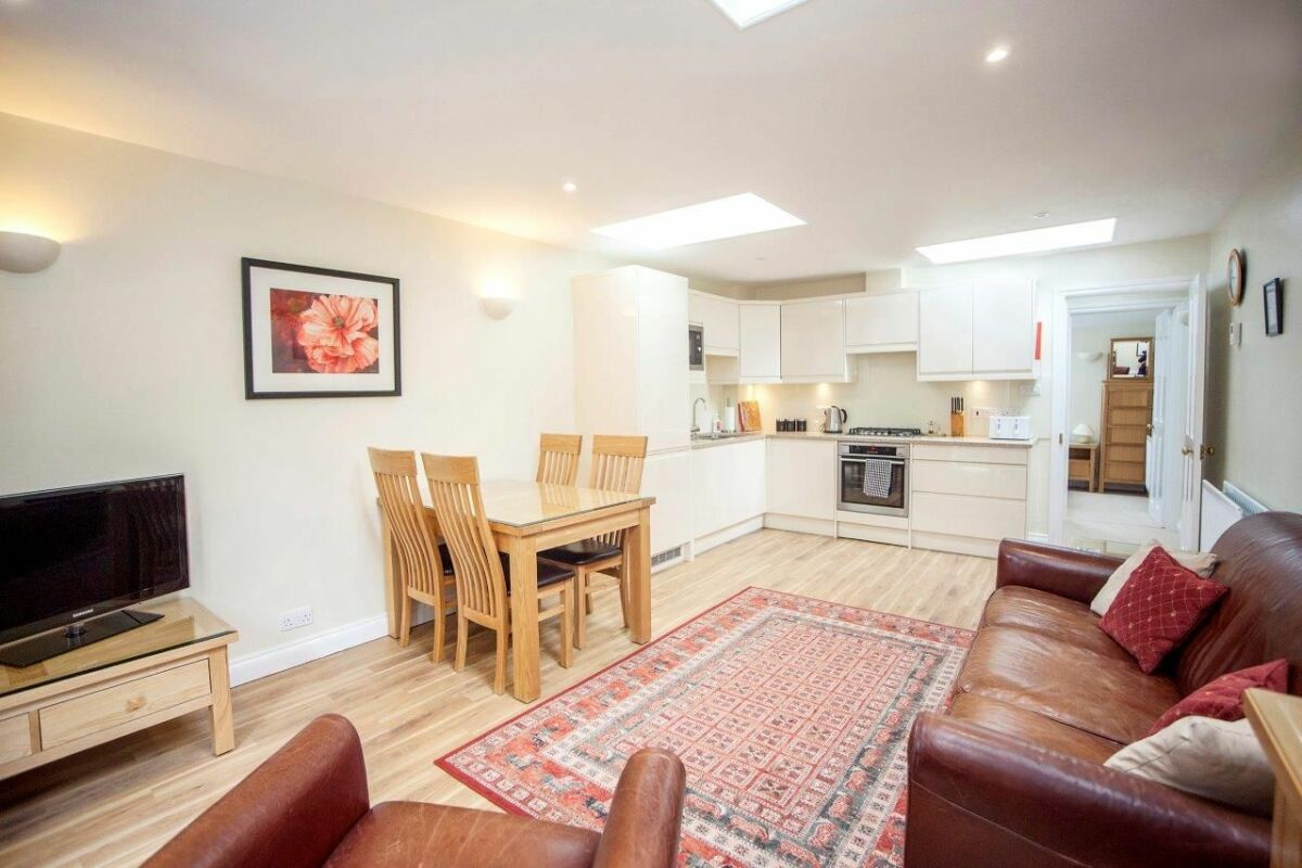 Open Plan Living Area, Sydney Mews House Serviced Apartments, Bath