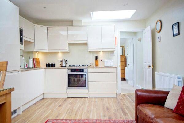 Kitchen, Sydney Mews House Serviced Apartments, Bath