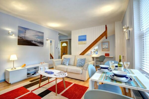Sitting and Dining Area, Terra Nostra Serviced Apartment, Hove