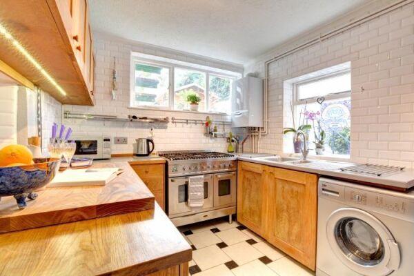 Kitchen, Terra Nostra Serviced Apartment, Hove