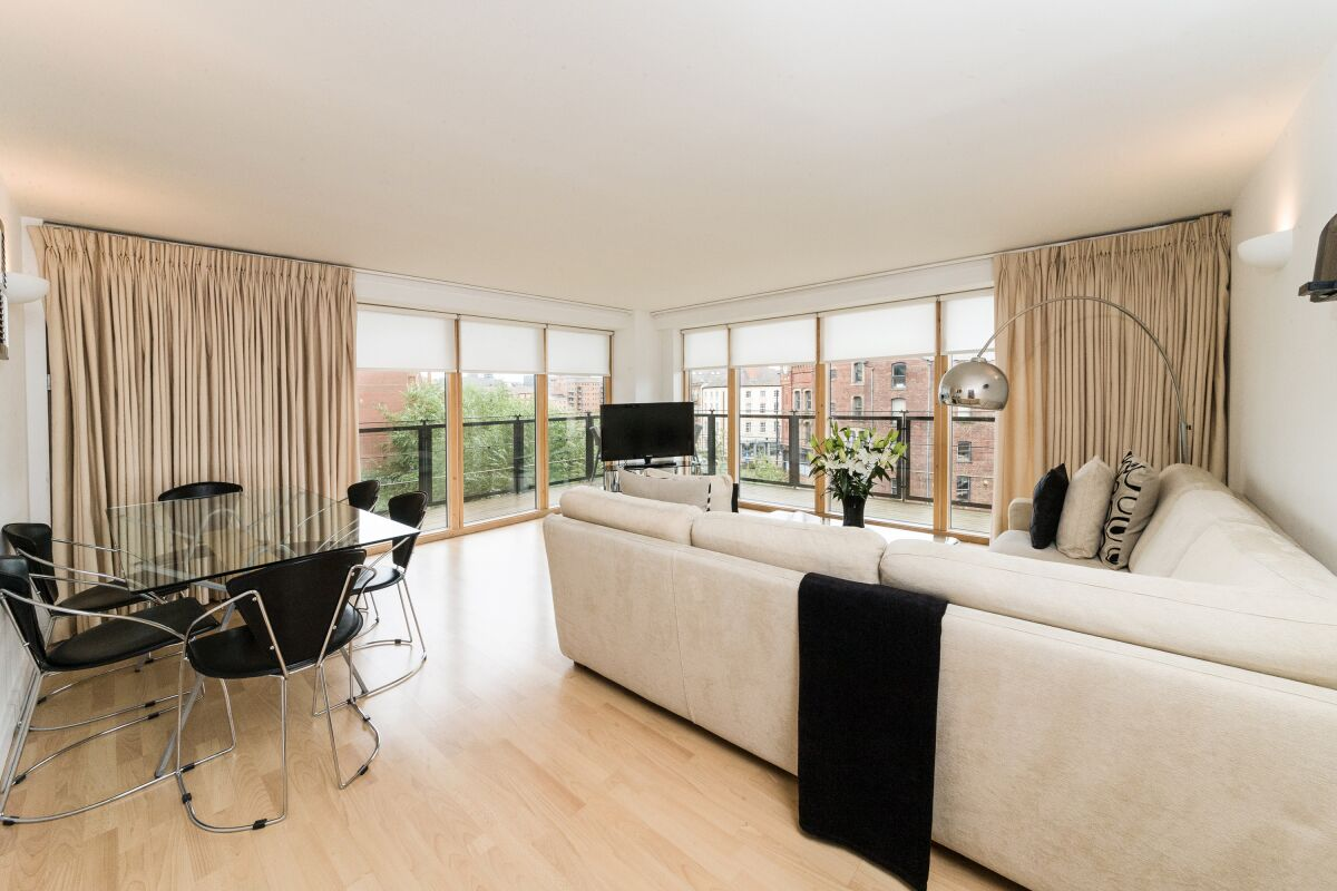 Living Dining, The Quays Riverside Apartments, Leeds