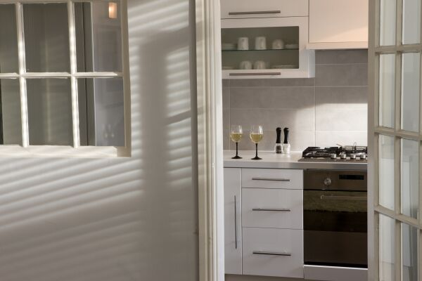 Kitchen Warwick Place Serviced Apartments, Leamington Spa