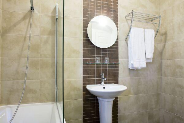 Bathroom Warwick Place Serviced Apartments, Leamington Spa