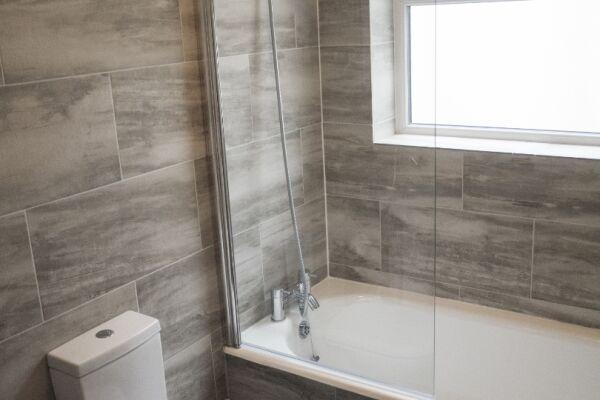 Bathroom Avenue Road Serviced Apartment Leamington Spa
