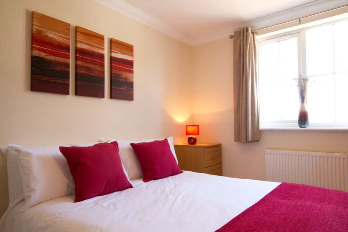 Bedroom, Long Beach Serviced Apartments, Eastbourne