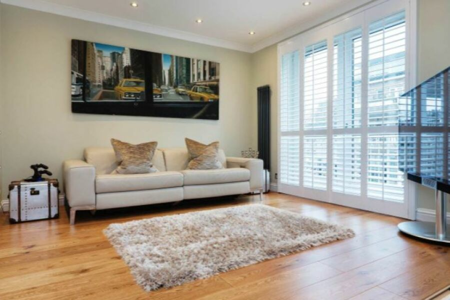 Riverside Apartment - Battersea, South West London