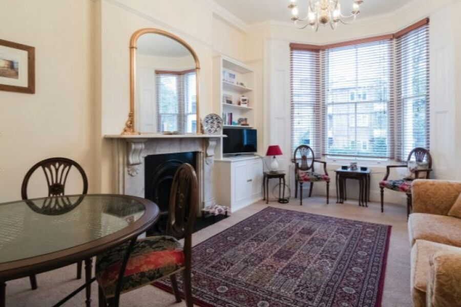 Traditional Stockwell Apartment - Stockwell, South West London