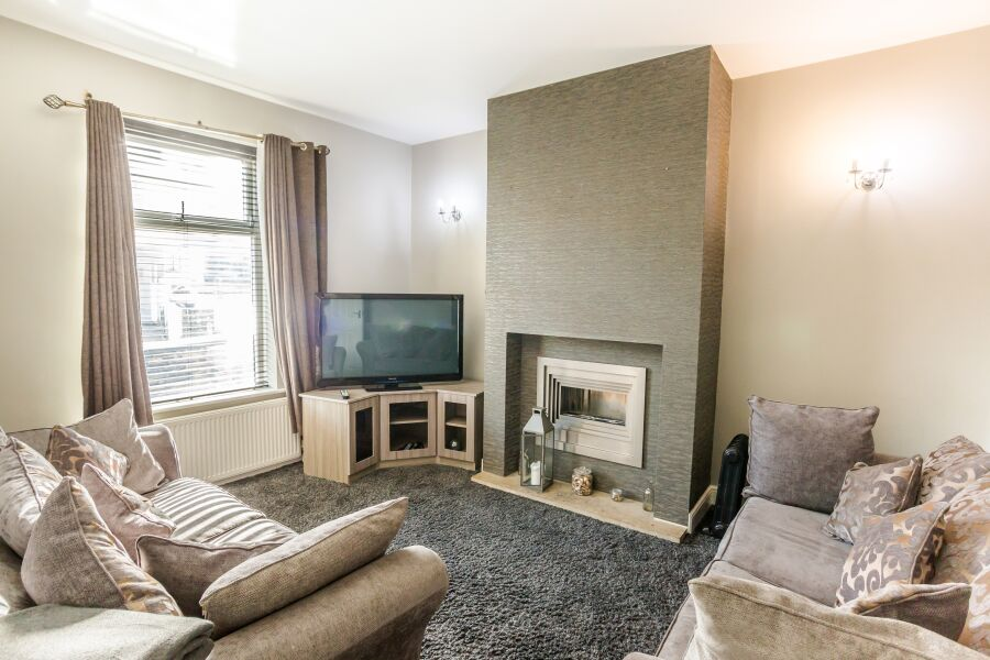 Woodside Villa Apartments - Huddersfield, United Kingdom