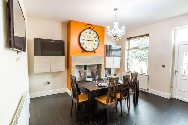 Dining Area, Woodside Villa Serviced Apartments, Huddersfield