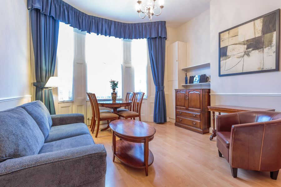 Castletown House Apartments - West Kensington, West London