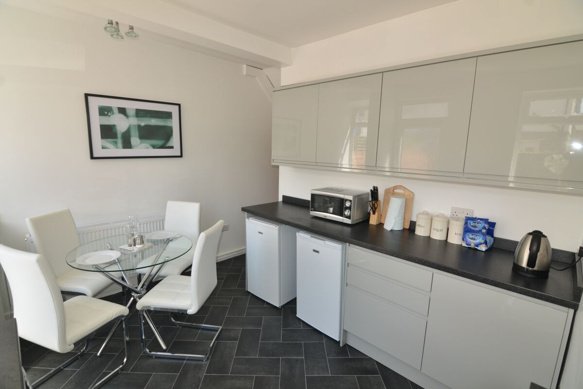 Kitchen, Chestnut House Serviced Accommodation, Harrogate