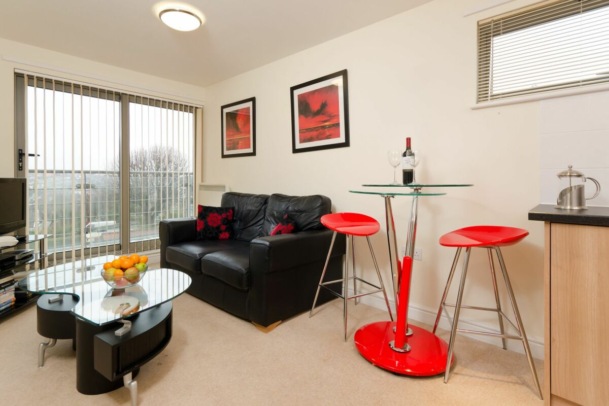 Living Room, Cotham Lawn Serviced Apartments, Bristol