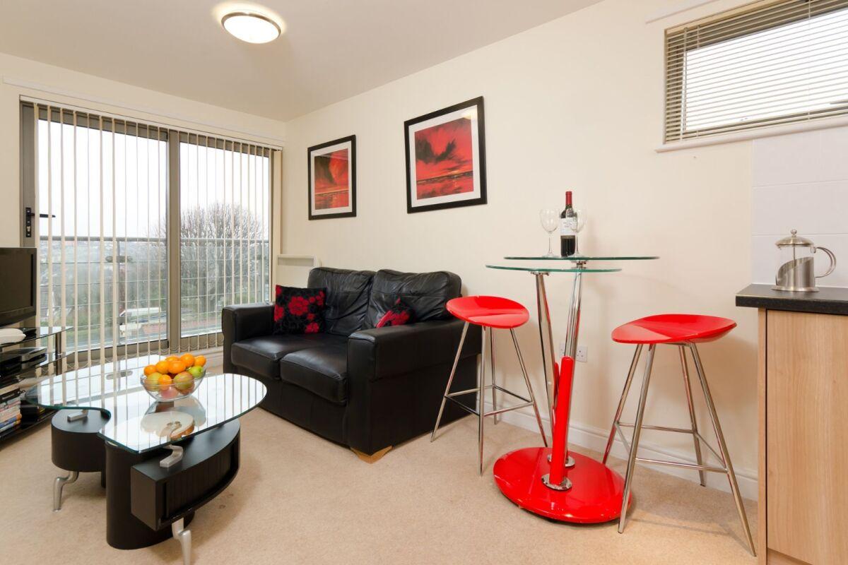 Living Room, Cotham Lawn Serviced Apartments, Bristol