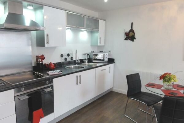 Kitchen, Saddlery Way Serviced Apartments, Chester