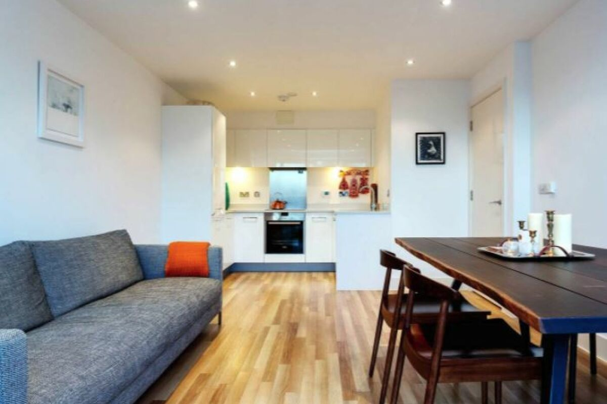 Open Plan Living Area, Claremont Court Serviced Apartment, Hackney
