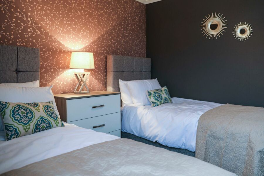 Muirend Lodge Accommodation - Kilmarnock, East Ayrshire