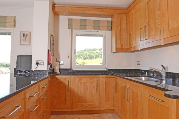 Kitchen, Fairways House Serviced Accommodation, Eastbourne