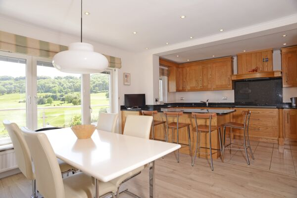 Kitchen and Dining Area, Fairways House Serviced Accommodation, Eastbourne
