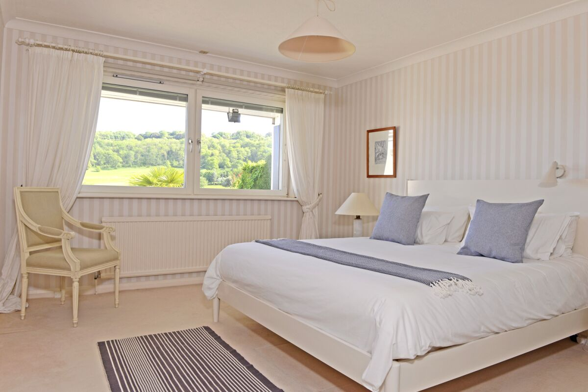 Bedroom, Fairways House Serviced Accommodation, Eastbourne